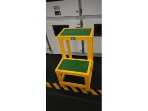 內蒙古經銷商客戶大量采購定制絕緣凳